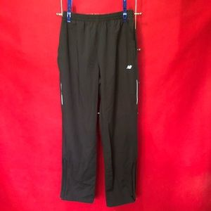 Men's NEW BALANCE Sports Pants. A486. Black MED